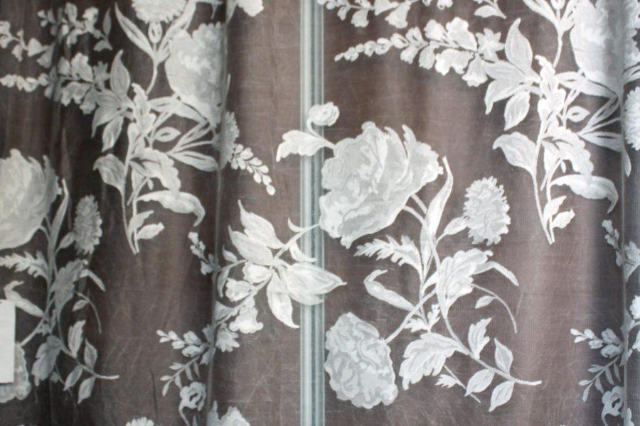 Ekrü, rózsa mintás függöny K05