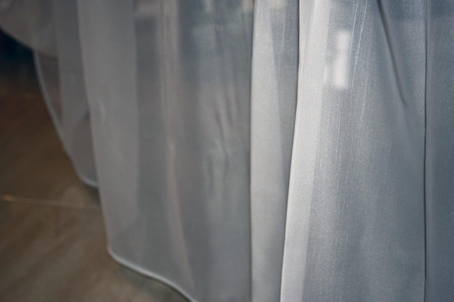 Fehér, fényes függöny K01 (2)